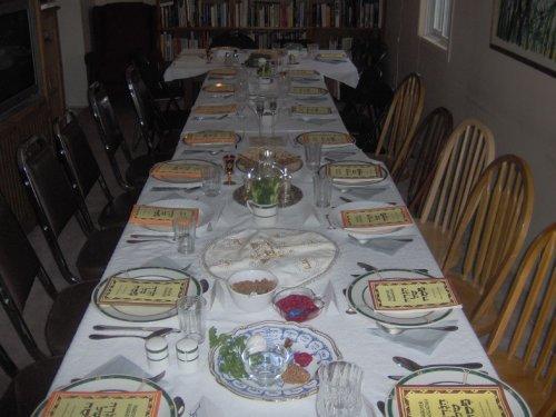 seder-table